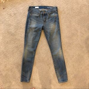 Gap Light wash Jegging Skinny Jeans Size 26s